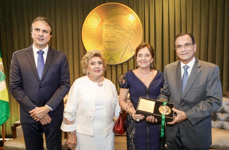 Camilo Santana, Consuelo Dias Branco, Ana e Beto Studart