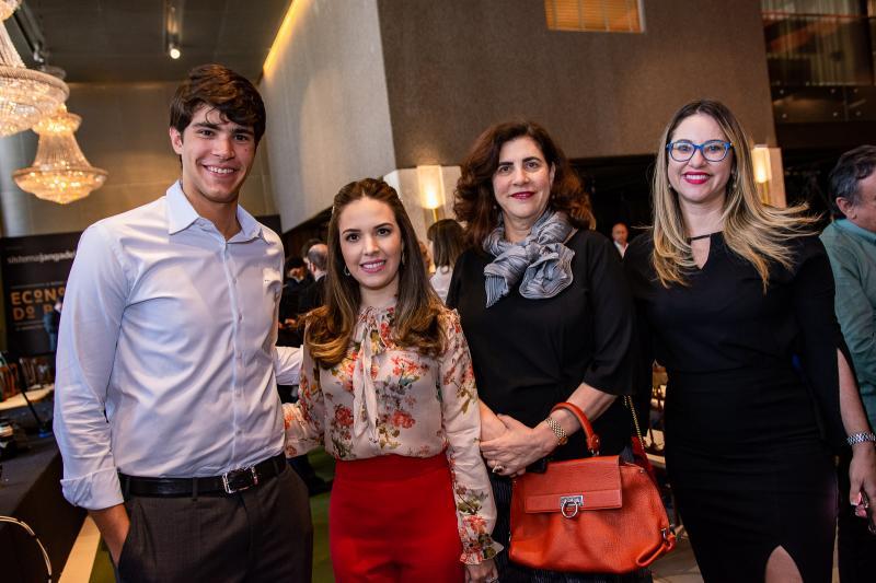 Pedro Jereissati, Lucinha Feitosa, Maria Jose Jereissati e Renata Oliveira