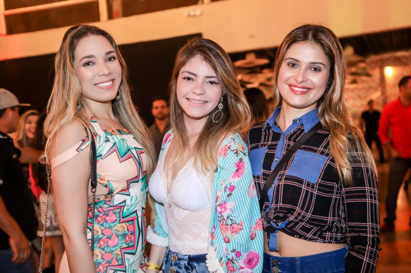 Gisele Vasconcelos, Samara Melo e Deilana Vasconcelos