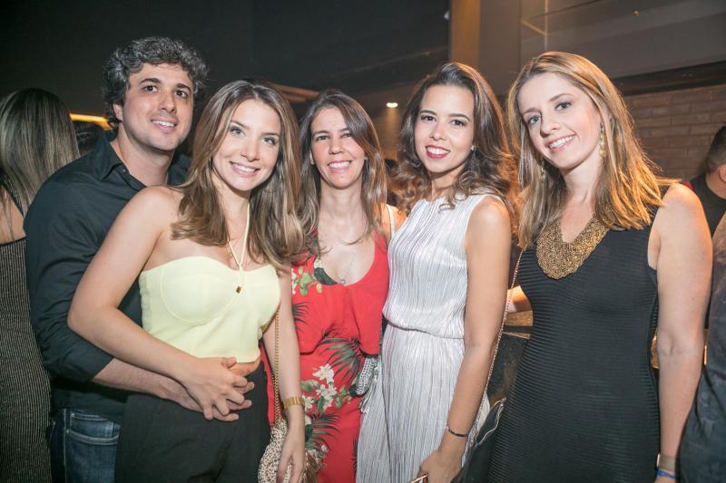 Daniel Cesar, Luiza Macedo, Larissa Frota, Gisele Reis e Livia Holanda