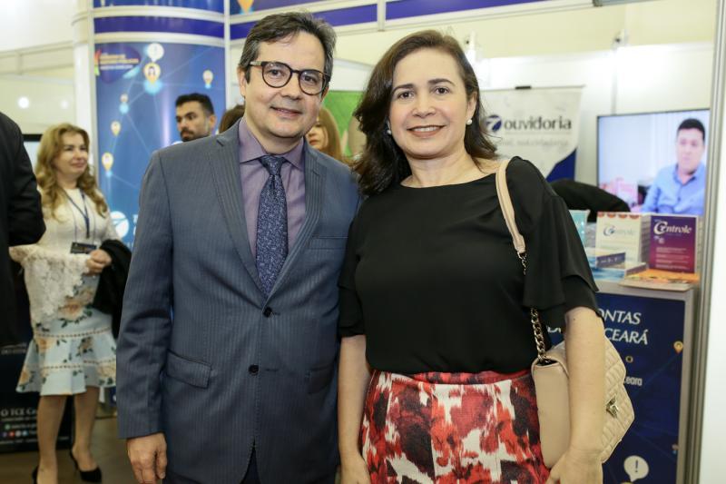 Edilberto Pontes e Claudia Cristino