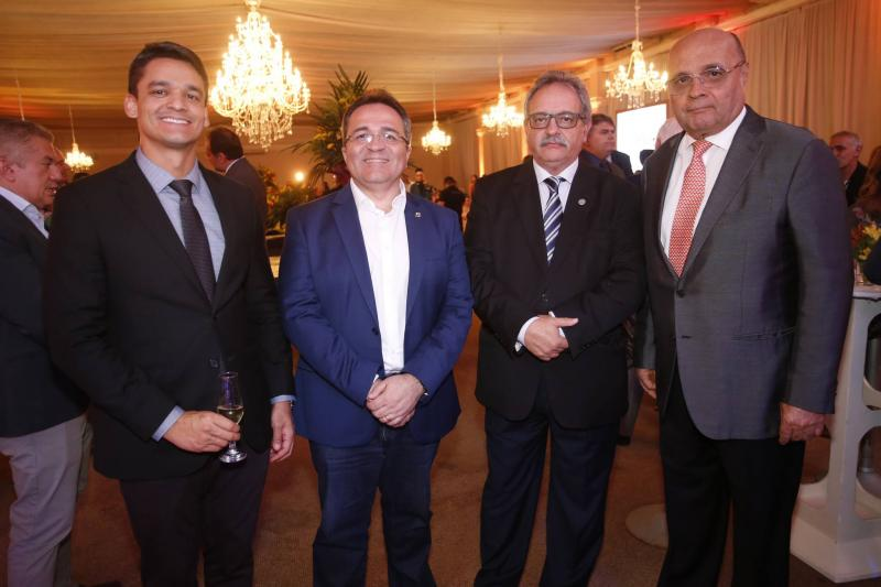 Rodrigo Burbom, Romildo Rolim, Emilio Moraes e Fernando Cirino