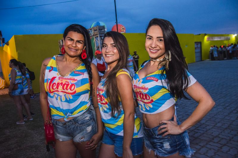 Carla Jessica, Rebeca e Ivamara Moraes