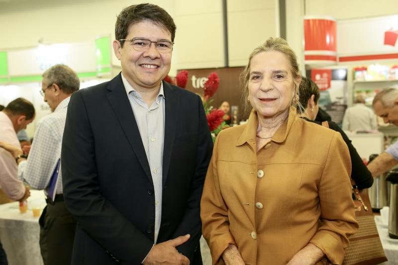Silvio Carlos e Anne Ribeiro