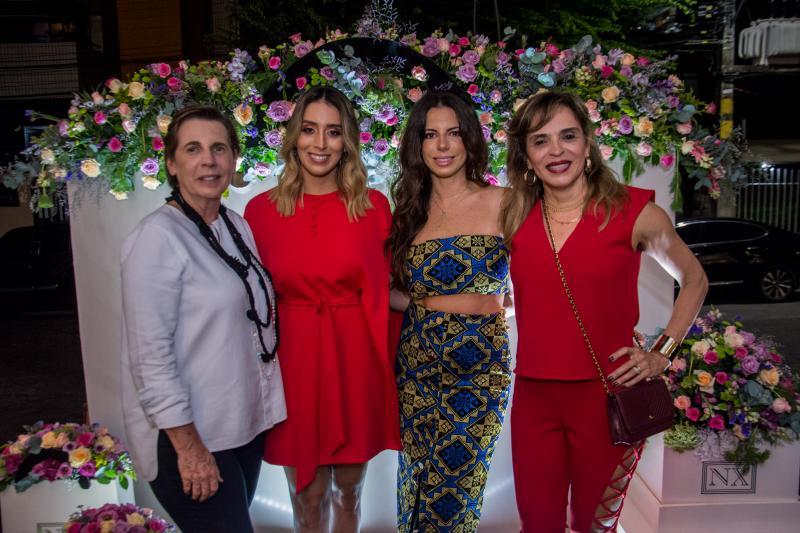 Vania Franck, Nathalia Ximenes, Lina Franck e Sonia Ximenes
