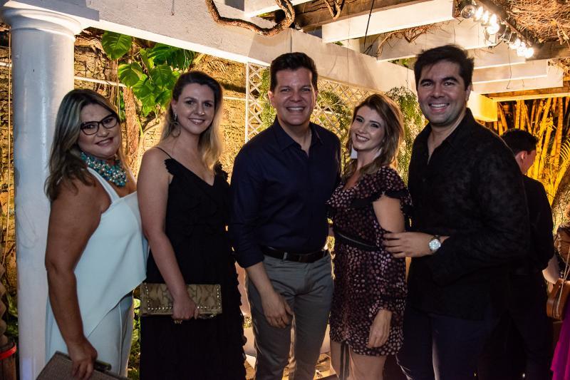 Ana Pinheiro, Alexia Fontes, Gustavo Serpa, Thamara Azevedo e Itaque Figueiredo