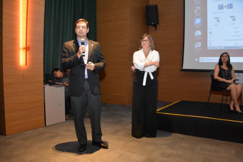 Luiz Miranda e Renata Santiago