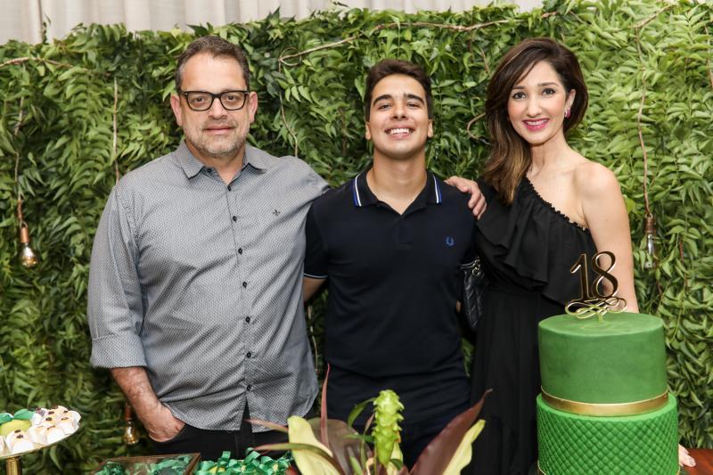 Andre Nunes, Davi Teixeira e Sarah Nunes