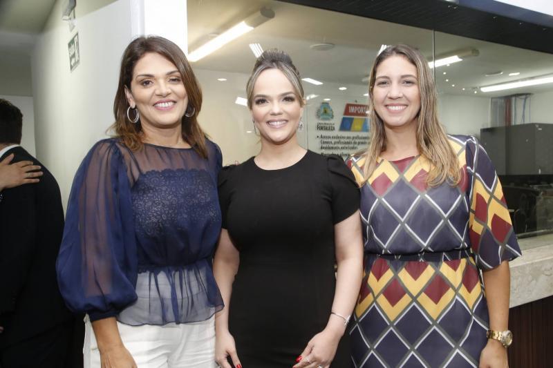 Selma Marinho, Keliane Benevides e Larissa Gaspar