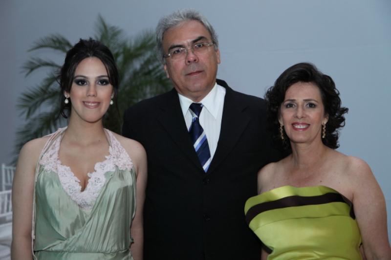 Carolina e Neuma Figueiredo com Esdras Guimaranhes