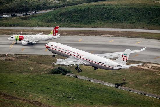 TAP realiza voo retrô para comemorar 20 anos da rota Lisboa-Fortaleza