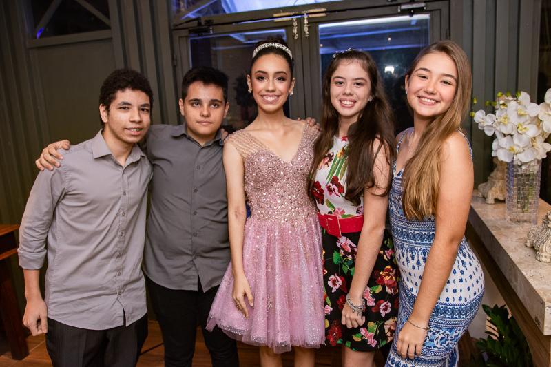 Joao Pedro Frota, Luis Henrique, Melina Portela, Marina Porto e Laura Barreto