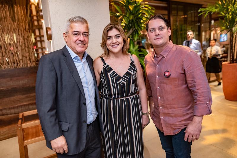 Paulo Cesar e Simone Noroes e Sylvio Drummond