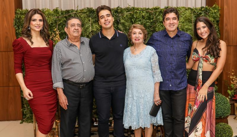 Rachel, Vicente, Davi, Zilda, Paulo e Beatriz Teixeira