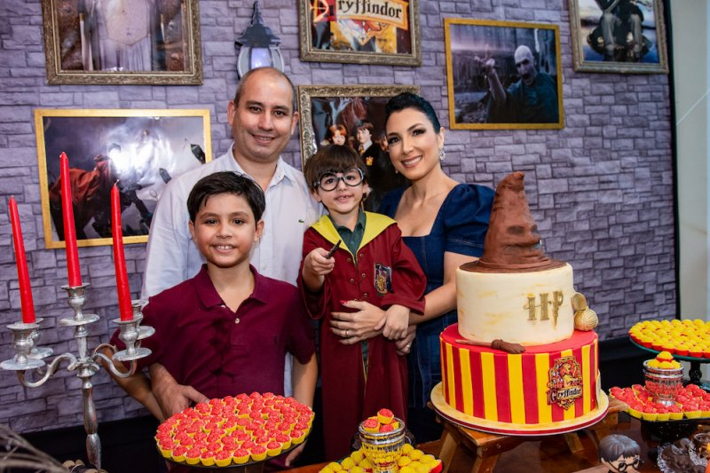 André e Daniela Linheiro celebram o quanto aniversário do pequeno João Vitor