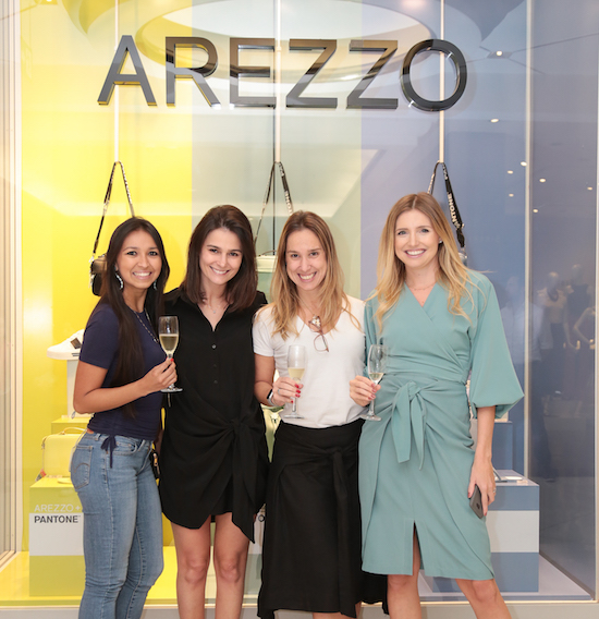 Arezzo lança collab inédita com a Pantone durante evento no Iguatemi São Paulo