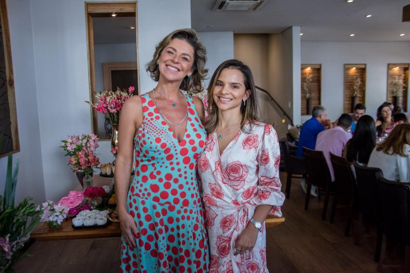 Ana Cristina Wolf e Viviane Martins