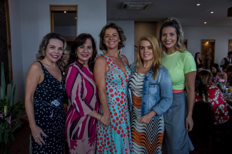 Lilian Porto, Martinha Assuncao, Ana Cristina Wolf, Leticia Studart e Anelisa Barreira