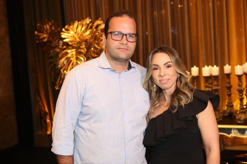 Carlos Hernesto e Renata Holanda
