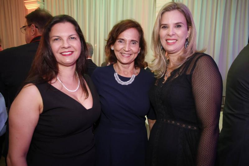 Elizabeth Chagas, Izolda Cela e Mariana Lobo