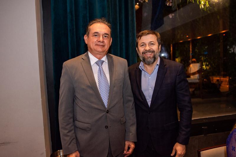 Washington Araujo e Elcio Batista