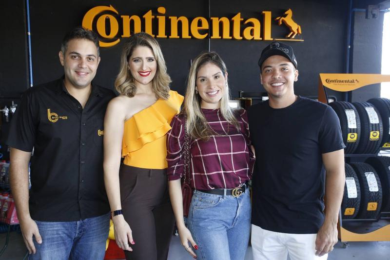 Bruno e Rebeca Bastos, Thyane Oliveira e Wesley Safadao 1