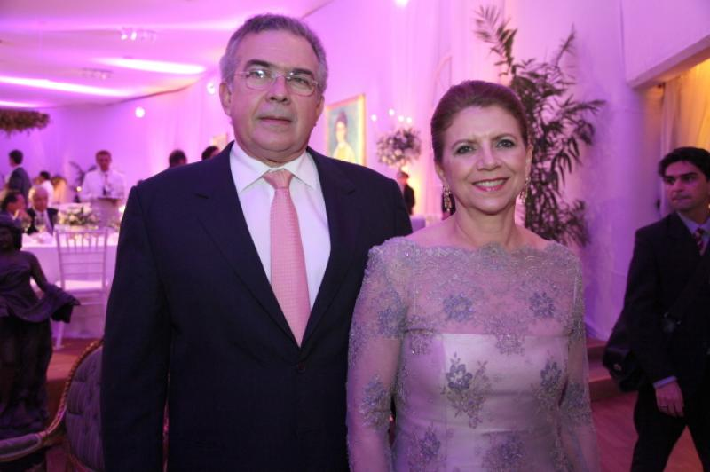 Claudio Henrique e Fatima Camara