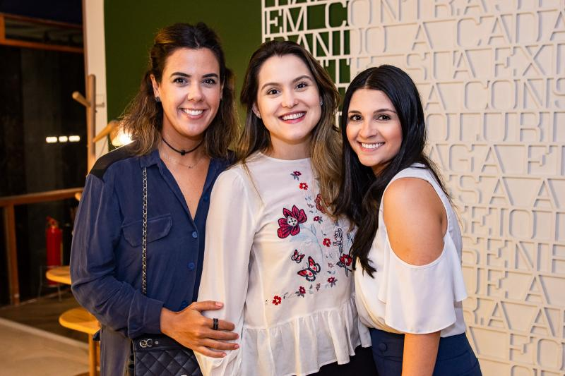 Paula Couto, Mariana Filgueiras e Larissa Coelho