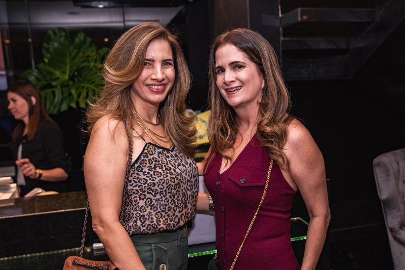 Karmilse Marinho e Adriana Bezerra