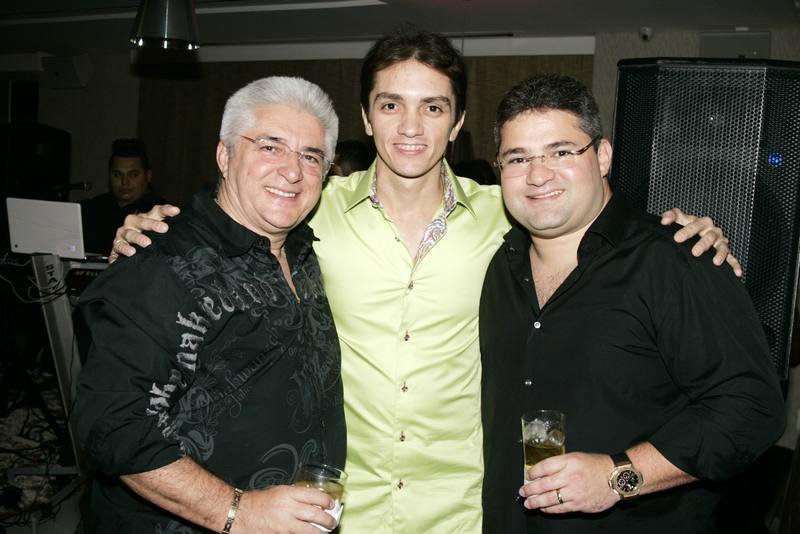 Deusmar Queiros, Marcelo Marfrutas e Mario Queiros