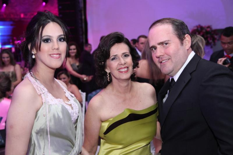Carolina e Neuma Figueiredo e Roberto Pamplona