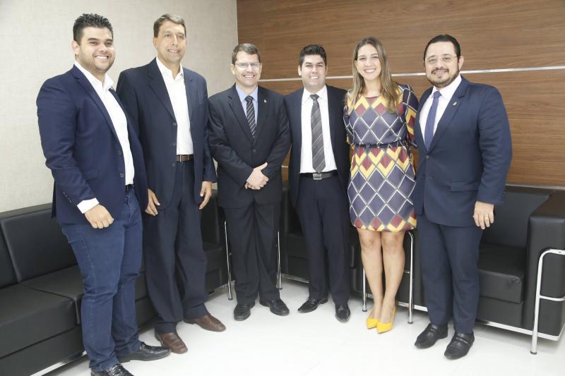 Davi Benevides, Gony Arruda, Rogerio Pinheiro, Mauro Benevides Neto, Larissa Gaspar e Ricardo Valente
