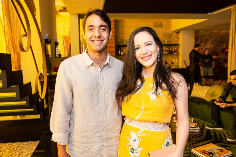 Lucas e Emanuela Dantas