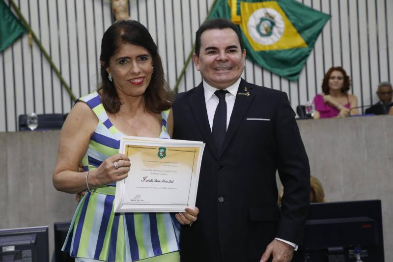 Isabela Perez Mota e Walker Santiago