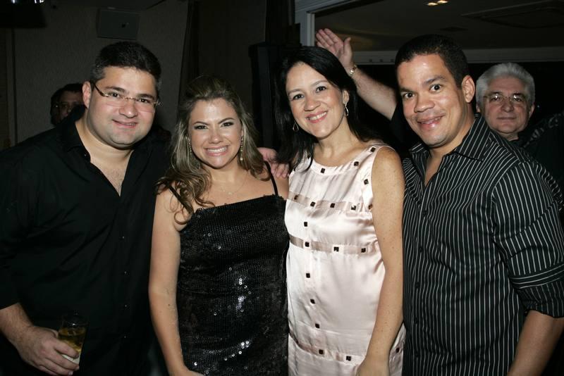 Mario, Vanessa, Caterine e Caca Queiros