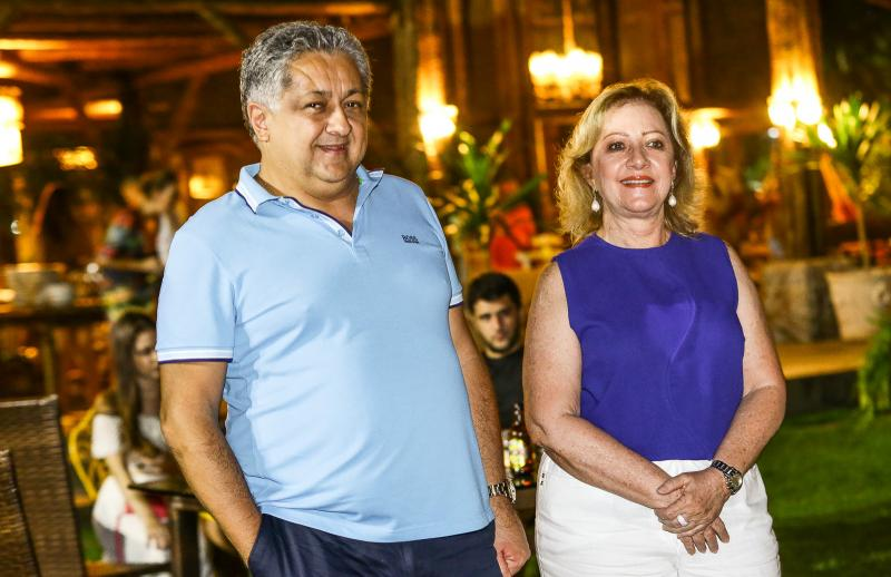 Adriano Pinto e Tania Teixeira