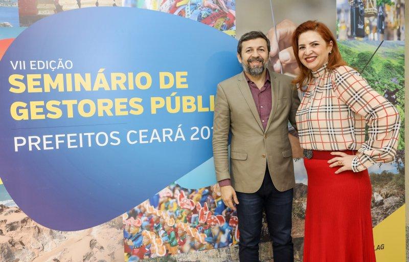 Palestra de Élcio Batista coroa a noite de encerramento do VII Seminário de Gestores Públicos - Prefeitos Ceará 2019