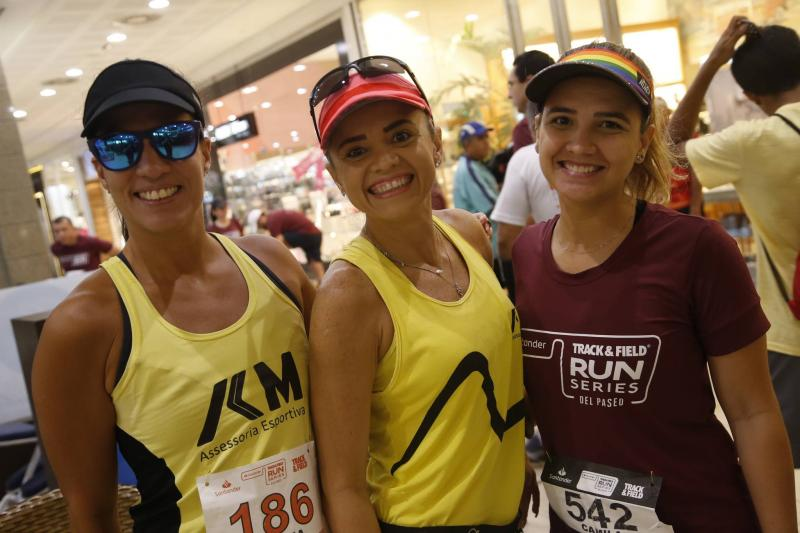Cinthia Maia, Danielle e Camila Tavares.jpg