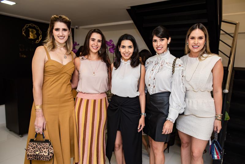 Rebeca Leal, Vivian Barbosa, Carla Laprovitera, Flavia Laprovitera e Thyane Dantas