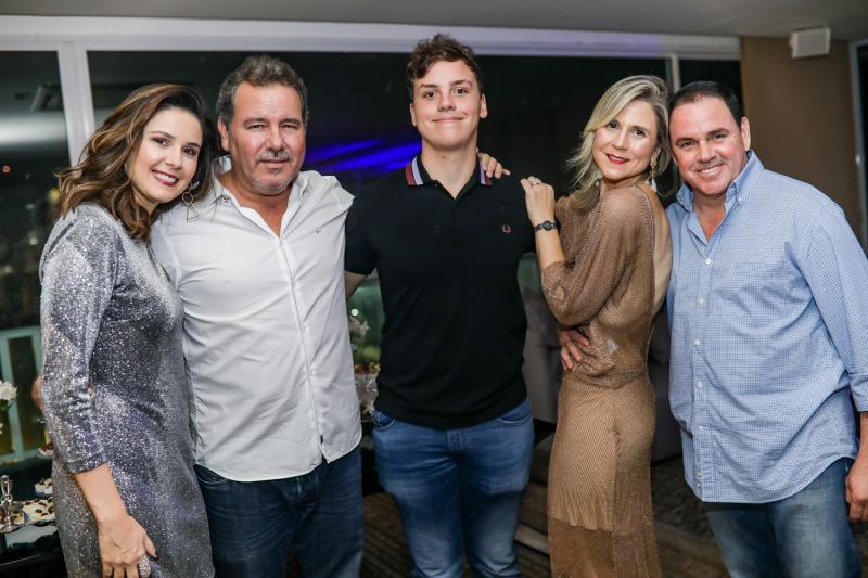 Marina, Eduardo, Luiz, Camile e Marcelo Cidrao