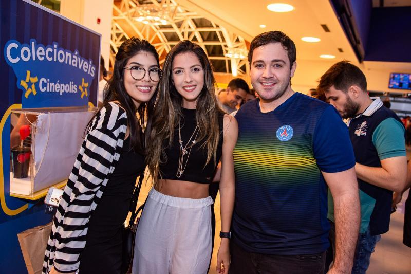Camila Goncalves, Mayara Goncalves e Ramon Aquino