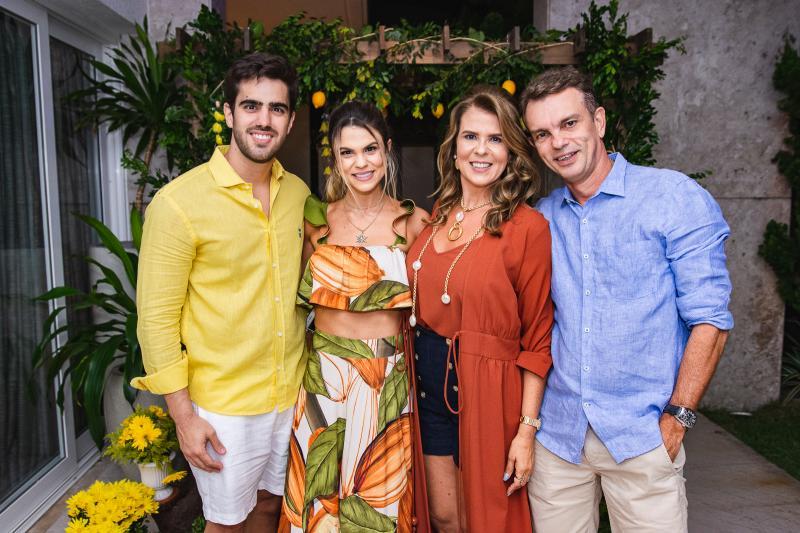 Lucas Ximenes, Mariana Pinto, Alexandra Pinto e Fred Pinto
