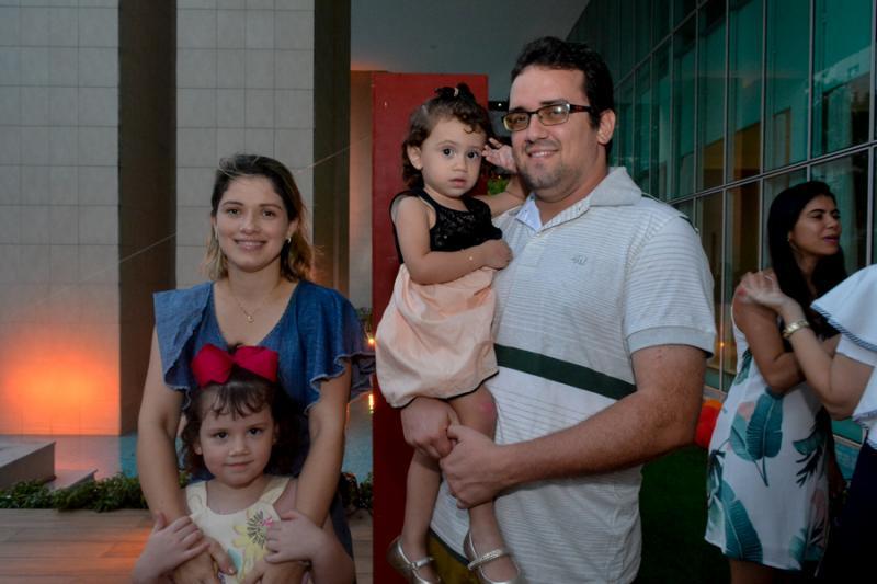 Marisa, Helena, Alice e Tiago Frota