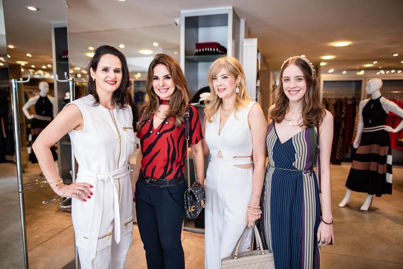 Adriana Miranda, Eveline Fujita, Angela Bonorandi e Priscila a Bonorandi