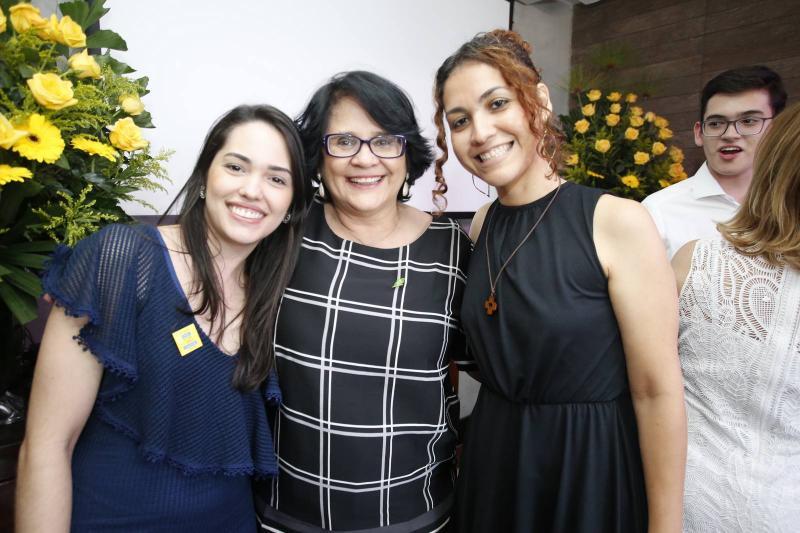 Carol Vasconcelos, Damares Alves e Evelane