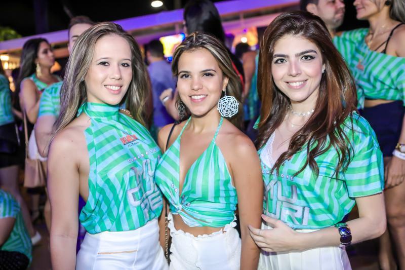 Leticia Castelo, Liane Bastos e Jessica Bezerra