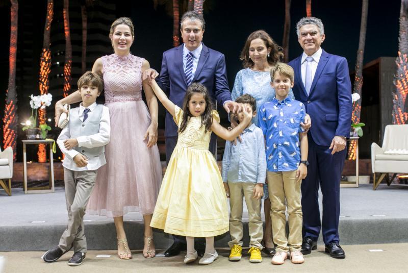 Pedrinho, Onelia, Camilo e Luiza Santana, Bernardo, Izolda, Ernesto e Veveu Arruda