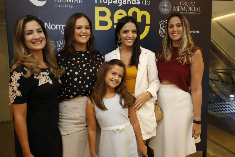 Clarissa Moura, Priscila e Camila Fiuza, Carol Mafra e Rebeca Almeida
