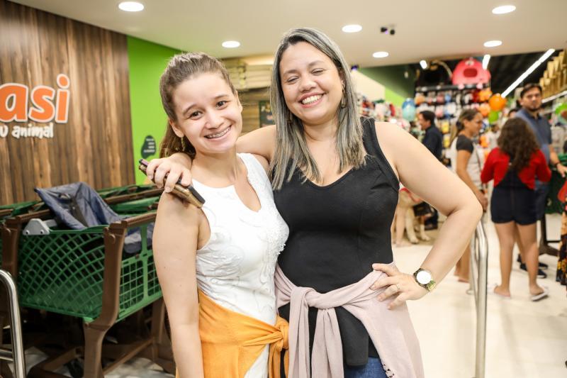 Mariana Nogueira e Kaisa Sampaio