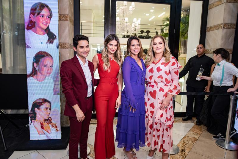 Antonio Felipe, Thassia Naves, Ana Carolina Fontenele e Simone Naves